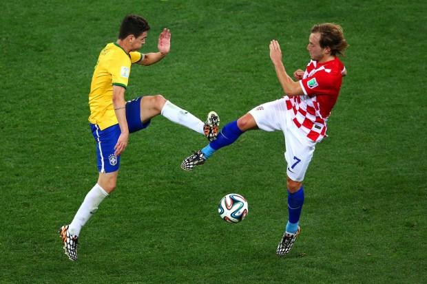 brazils-oscar-and-croatias-ivan-rakitic-dance