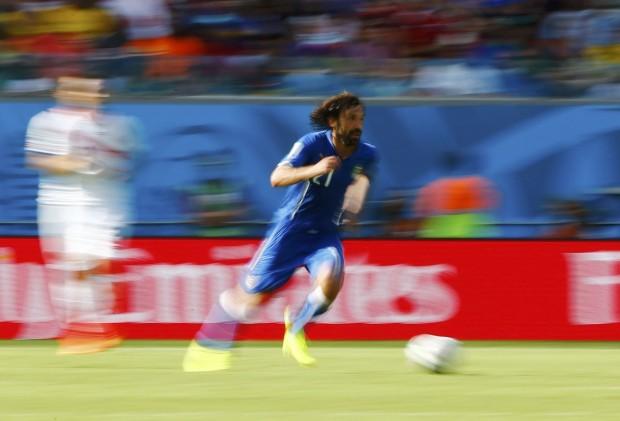 italys-andrea-pirlo-speeds-down-the-field