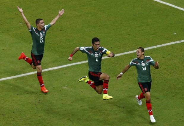 mexican-teammates-celebrate-a-goal