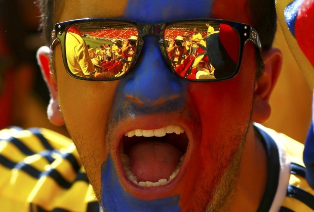 the-stadium-reflects-in-a-colombia-fans-sunglasses